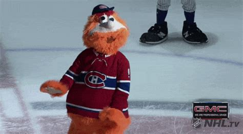 Youppi GIFs - Find & Share on GIPHY